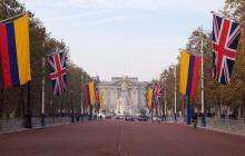 Familia Real del Reino Unido saluda Visita de Estado de Santos