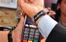 ApayPay, la manilla de pago 'wearable' para Storyland Festival