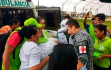 El menos fue trasladado en ambulancia por las fuertes lluvias.