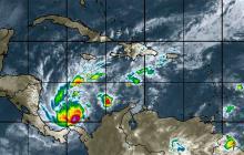 Otto avanza hacia el este afectando las costas de Nicaragua y Costa Rica.