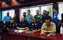 Ronald Housni, gobernador de San Andrés y Providencia, junto con las autoridades locales y fuerzas militares.