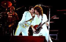 Freddie Mercury, durante el concierto en Knebworth Park en 1986.