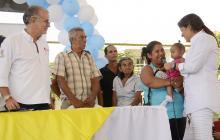 La barranquillera Tatyana Orozco, directora del DPS, en reciente visita a Polonuevo, Atlántico, anunciando inversiones, con el gobernador Eduardo Verano.