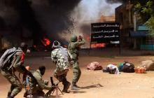 Un ataque suicida en un cuartel militar en Mali causa 67 muertos