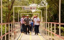 Barrios 20 de Julio y Topacio estrenan puente