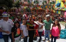 600 mujeres se graduaron de curso de manualidades de Carnaval