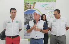 Carlos E. Campo, secretario de Agricultura del Cesar, Franco Ovalle, gobernador, y Manuel Quiroz, gerente del CDT ganadero.