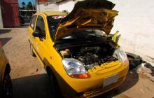Delincuentes hieren a taxista y le roban carro para atracar en Riohacha