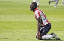 Édinson Toloza se lamenta por una de las escasas opciones de gol que tuvo Junior en el partido contra Tigres.