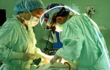 Corte tumbaría ley que prohíbe cirugías estéticas a menores de 18 años