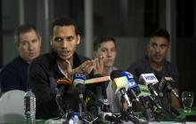 Neto y los otros sobrevivientes, en rueda de prensa.