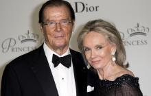 Roger Moore y su esposa Kristina durante la gala de los premios Princesa Gracia 2015.
