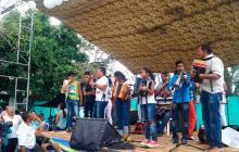 Así celebraron las Farc sus 53 años en el punto transitorio de Conejo, en La Guajira