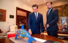 El presidente de México Enrique Peña Nieto, junto al actor Leonardo DiCaprio.