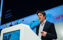 Polémico CEO de Uber se aparta de la empresa que busca mejorar su imagen