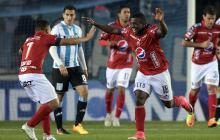 Édinson Toloza (18) celebra su primer tanto con la camiseta del Medellín.