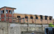 Aspecto de las celdas de la cárcel que fueron alcanzadas por las llamas.