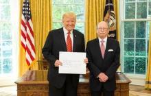 Embajador Camilo Reyes presentó cartas credenciales ante Donald Trump