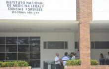 Hallan dos hombres sin vida al interior de un vehículo en Cartagena