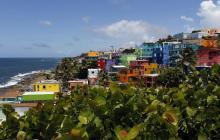 Vista superior del barrio La Perla del viejo San Juan.