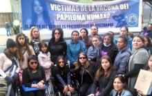 Padres de familia de las niñas afectadas por la vacuna del VPH.