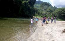 Decretan toque de queda para bañistas en el río Guachaca