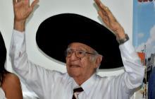 Rafael Campo Miranda en su homenaje.