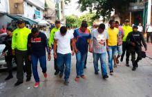 Legalizan captura a dos policías señalados de pertenecer a banda 'Los rastrojitos de la 10'