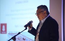 El doctor Rodrigo Córdoba durante el I Foro de innovación en el tratamiento de la enfermedad mental severa.