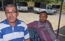 Rafael Álvarez y Gregorio Yanez, dos de los conductores que decidieron no salir a trabajar en sus Dacia.