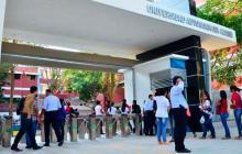 Una de las entradas de la Universidad Autónoma del Caribe.