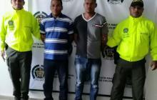 Jáider Mercado y Agustín Caro fueron capturados por el delito de violencia intrafamiliar en el municipio de Luruaco, y presentados ante la Fiscalía.