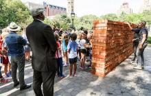 """El muro """"made in México"""" que fue """"destruido"""" en Nueva York"""