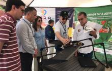 La presidenta de Acopi, Rosmery Quintero, el gobernador Eduardo Verano, y el secretario de Desarrollo, Anatolio Santos, recorren la muestra agroindustrial.