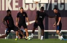 Jugadores del Barcelona durante un entrenamiento.