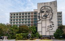 Ernesto 'Che' Guevara, en la pared de la Plaza de la Revolución en La Habana, Cuba.