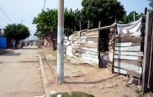 Le dispara a mujer de 69 años en Rebolo, lo intenta perseguir y la remata