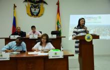 Emelith Barraza, secretaria de Hacienda, explica el presupuesto ante el Concejo Distrital de Barranquilla.