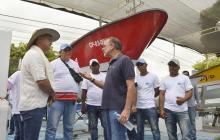 Gobernador Verano fortalece pesca con entrega de lanchas
