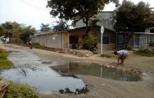 En Luruaco se quejan por vías en mal estado y con aguas servidas