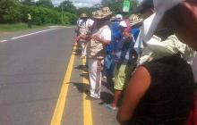 En minga indígena de Córdoba y Sucre desalojan el carril que permanecía bloqueado