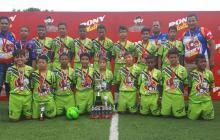 El equipo de Atlético Colombia celebrando el título.