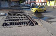 Reportan deterioro de rejillas de aguas lluvia en Rebolo