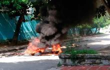 Vecinos del barrio Olaya bloquearon vía por fallas en el servicio de energía