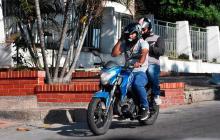 Restricción del parrillero hombre en Cartagena está  bajo revisión de Mindefensa