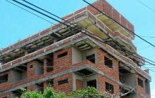 Obra suspendida pone en riesgo a casas del barrio Santa Ana
