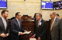 Gobernador Verano presentó en el Senado el proyecto de Ley de Regiones