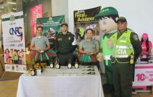 Los uniformados en la campaña de prevención y acompañamiento a la ciudadanía.