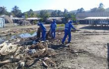 Jornada de limpieza de Triple A en playas de Pradomar y Salgar