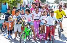 El 'Niño Dios' rodó por las calles de Barranquilla en patines y bicicleta